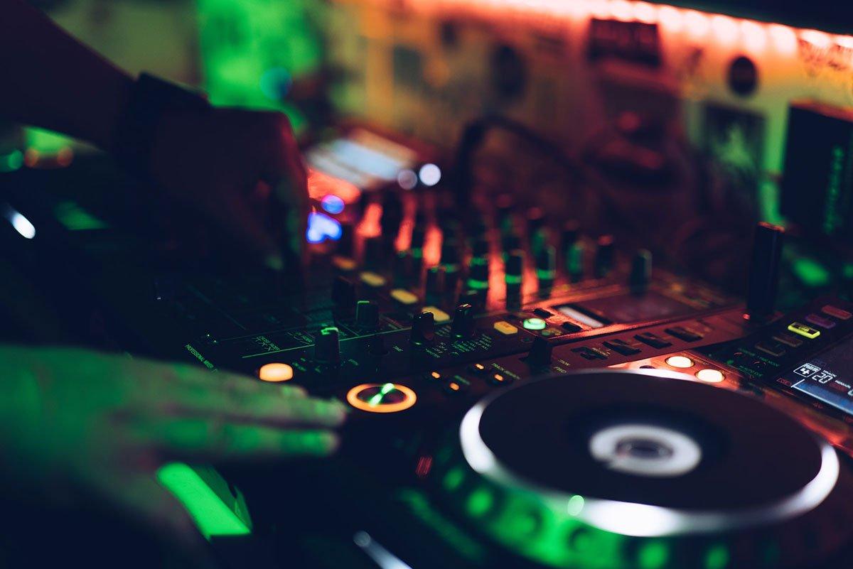 Cómo monetizar tus sesiones de dj en directo